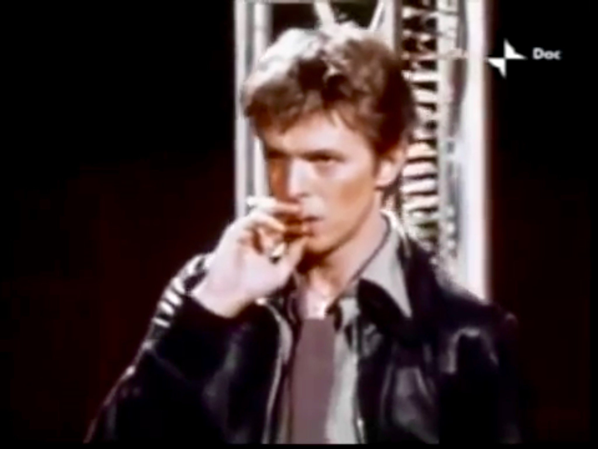 Heroes italian tv 1977 re edit by nacho david for 1980 floor show david bowie