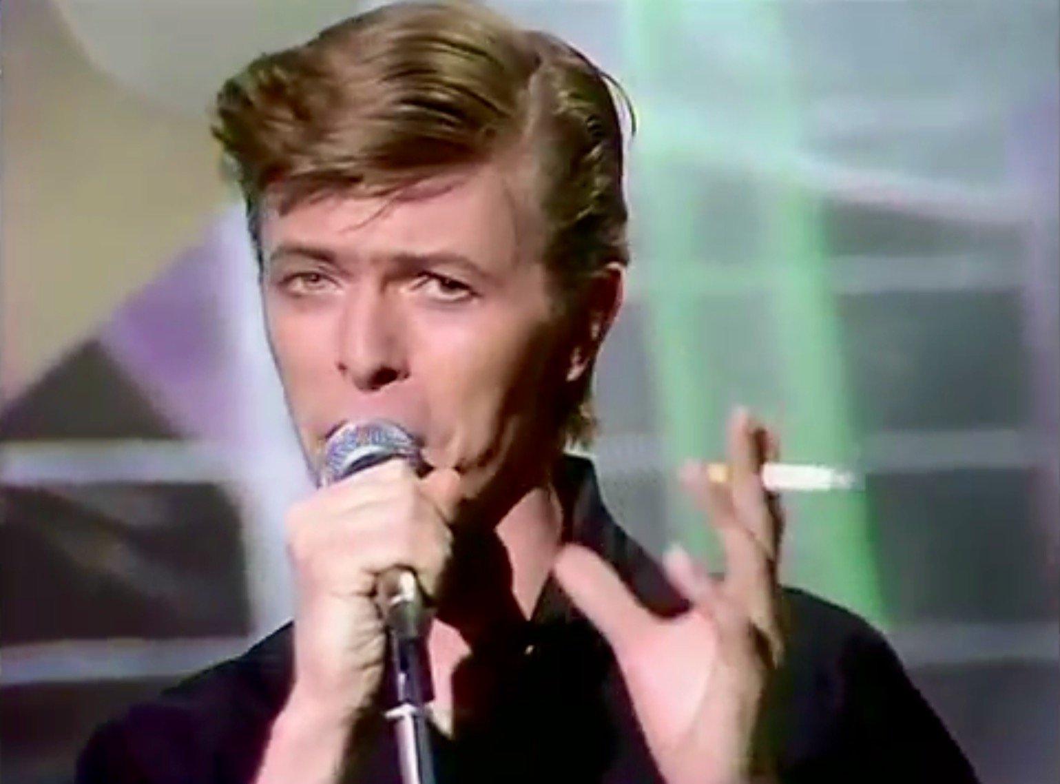 Bowie boys keep swinging